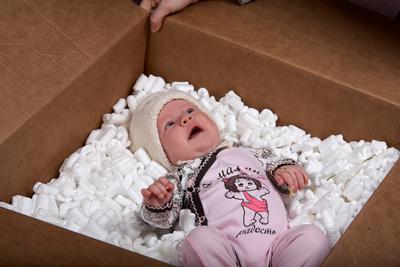 подарок подарок ребенок игрушки новый год малыш девочка младенец мамина радость