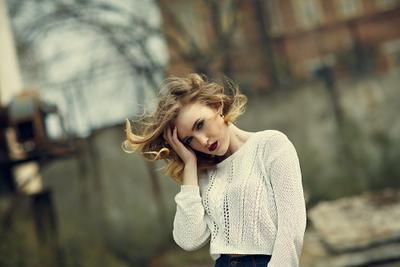 Polina* девушка улица ветер весна