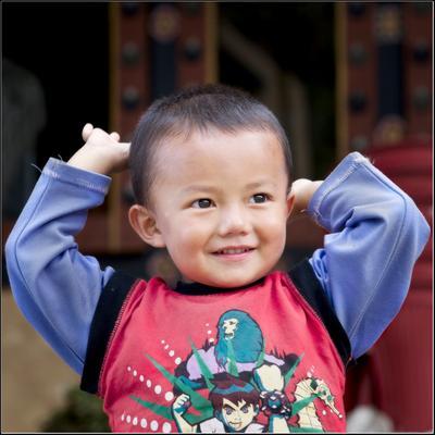 *** ребенок бутан портрет