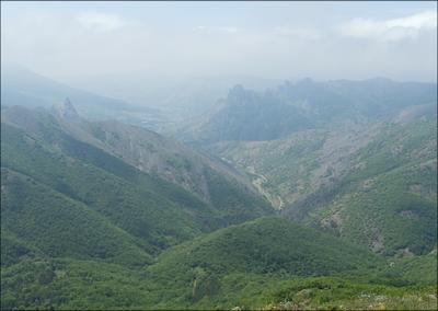 Воздушный замок Крым Ай-Серез туман
