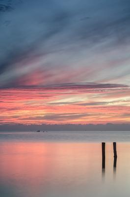 *** море закат небо отражение