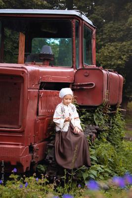 устала дети дорога деревня детское фото деревенская девочка крестьянка трактор