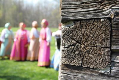 Новгородский колорит новгород, дерево, бревно