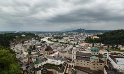 Зальцбург утопает в зелени и дожде