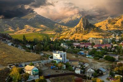 Горки п Курортное у гор Кара-Даг республика Крым