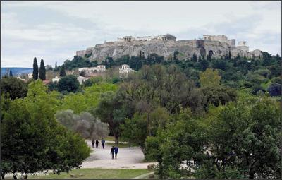 Вид на Акрополь Греция Афины Агора и Акрополь парк холм