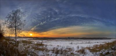 Закат окраин ненаступившей зимы.