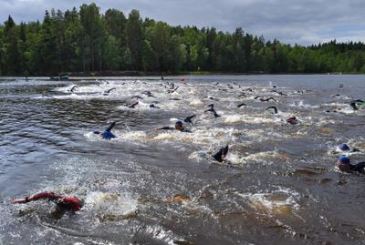 Триатлон -  плавание на 1500 м (2) триатлон заплыв 1500 м озеро Вантаа Большой_Хельсинки Kuusijärvi Vantaa Finland
