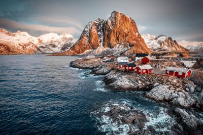 """"""" Купаются в рассвете небеса """" / Homnoy / Norway Норвегия Скандинавия горы вода камни закат природа путешествия"""