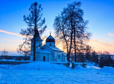 Троицкая церковь. церковь снег холодно закат