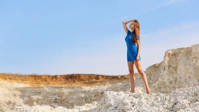 Blue sky девушка портрет небо фигура модель лето