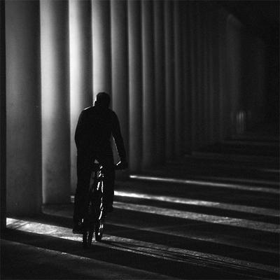 По ту сторону от солнца Свет Велосипед