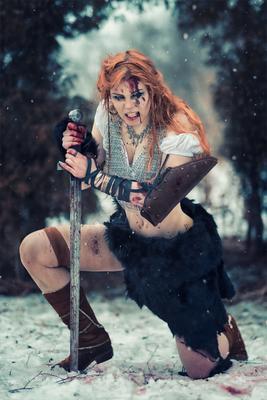 Последняя в роду воин битва кровь снег меч кольчуга рыжая варвар