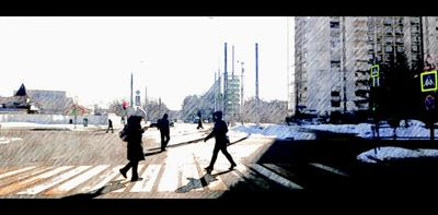 Первое солнце марта 2021 Город утро солнце Москва март 2021 весна карандаш