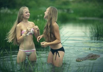 Пережитки язычества на Зеленую неделю девочки крокодил аллигатор волосы река наживка