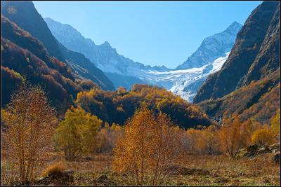 Вид на ущелье Птыш. Жосс Бомон Домбай Птыш Домбай-Ульген