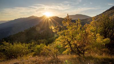 У вершины Куроча, рядом с поселком Зеленогорье, Крым Закат Крым Куроча