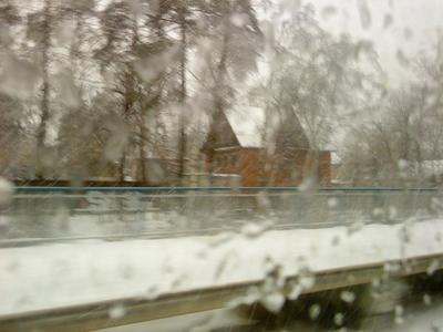 Мимолетность зима, снег, дождь, станция, дом, метель, скорость, движение, за стеклом