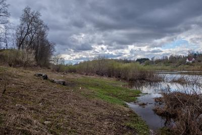 Весенний день 8 весна река берег деревья небо облака