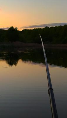 На рыбалке Река вечер закат рыбалка