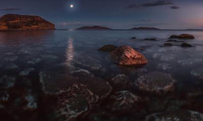 *** вечер море скалы камни