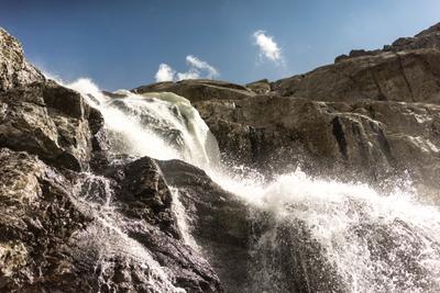 начало горной реки Каракол