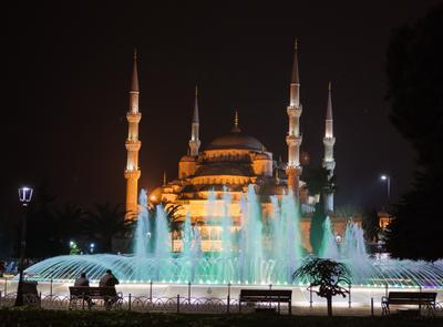 Walt Disney Pictures...Live... Турция, Стамбул, Голубая мечеть,мечеть Султанахмет, фонтаны