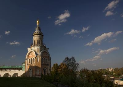 Торжок. Кремль. Башня. Библиотека.