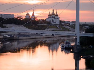 Закаты на Туре Тюмень Тура Западная Сибирь православие река мост берег пароход
