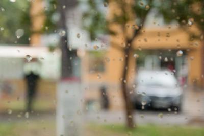 *** дождь город окно капли расфокус аква акварель