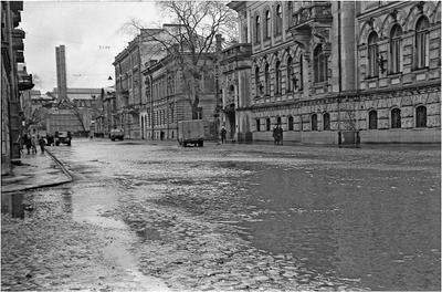 Английский проспект. Из серии наводнение 1967 года в Ленинграде