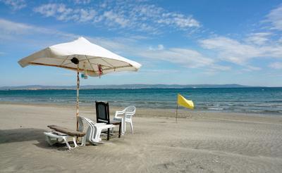 Вот и лето прошло море пляж осень