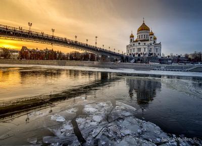 Храм Христа Спасителя храм христа спасителя зима москва лёд москва-река