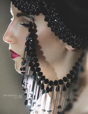 """Beauty Project """"In Lights"""" дизайнерские аксессуары украшения гламур свет тень студия поза портрет бьюти красивая девушка"""