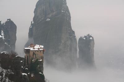 В облаках Греция монастырь православие туман горы