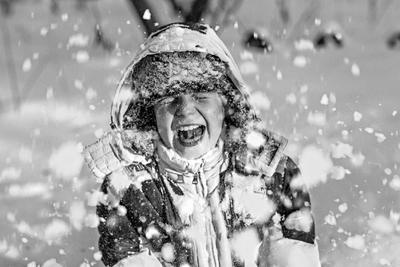 Снежок дети люди эмоции портрет