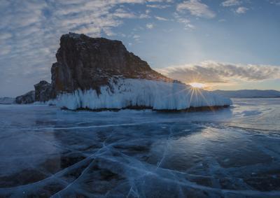 Мыс Кобылья голова острова Ольхон Иркутская область Байкал Ольхон мыс Кобылья голова рассвет зима лёд