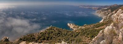 Природная территория Утесы Маро - Серро-Гордо панорама пейзаж горы море лес скалы утес башня Испания заповедник Нерха Малага Гранада курорт пляж