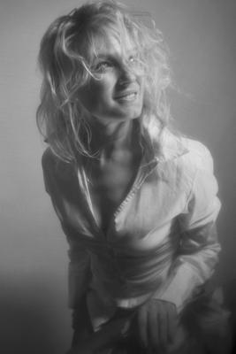 Улыбка Женщина улыбка чб фотография портрет