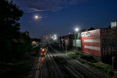 МоскваСити ночь луна поезд фонари МоскваСити