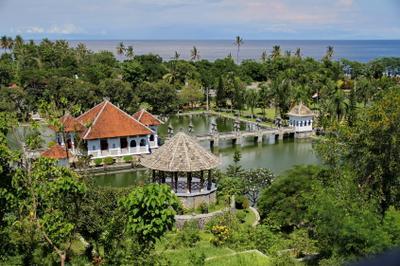 Дворец Уджунг на Бали Уждунг Бали