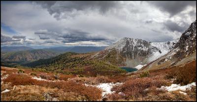 Малые Озера у Красной Горы Алтай Горы Озеро Красное Облака Первый снег