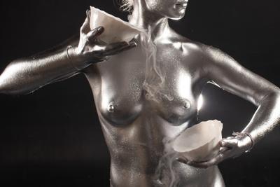 Khumen Nude