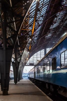 Львов, вокзал, зима львов украина вокзал поезд арка