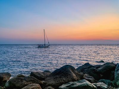 *** Море закат парусник небо волны