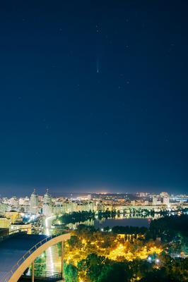 Комета над Киевом_4 комета comet neowise C 2020F3 ночной пейзаж ночное небо Киев звездное звезды