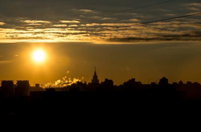 Утро,Солнце,провода. город москва архитектура пейзаж городской утро солнце небо облака контур градиент