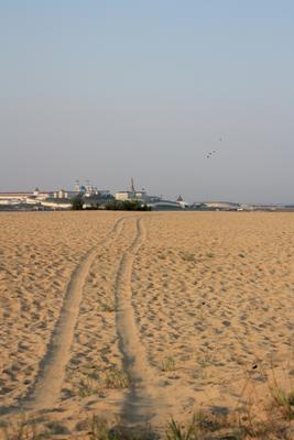 ***путь в Татарстан чрез пески дорога пески след кремль татарстан пустыня жара желтый голубой далеко