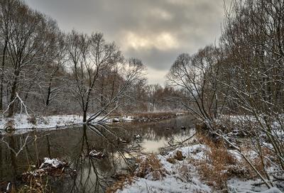 Москва, Яуза в районе Свиблово, первый снег