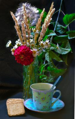 Вечерний Чай Цветы букет георгин чай печенье